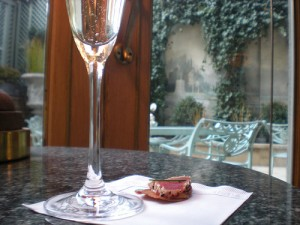 Bubbly & Appetizers at Rittenhouse Hotel